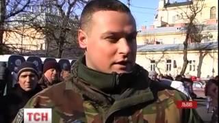 У Львові тисячі вірян приходять до святині з Ватикану - : 1:00