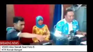 Ngakak! VIDEO Aksi Nenek Saat Foto E-KTP, Kocak Banget