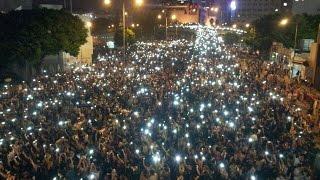Miles de jóvenes protestan en Hong Kong