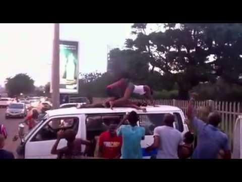 Coisa de vergonha, no calçadão de Maputo... Eish, massinguita só...!