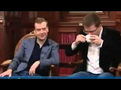 Камеди клаб и Медведев. Медведев коры)))