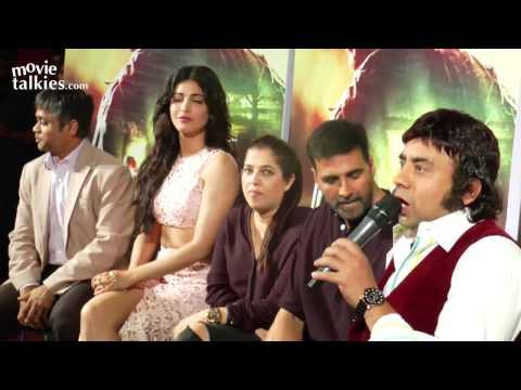 Akshay Kumar's Daredevil STUNT At Gabbar Is Back Trailer Launch