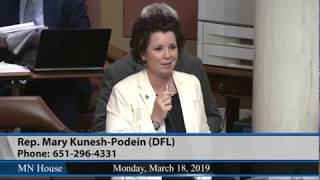 Rep. Mary Kunesh-Podein approves hands-free cell phone bill to save lives