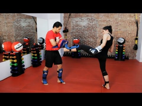 How to Do Partner Pad Training | Kickboxing Lessons Image 1