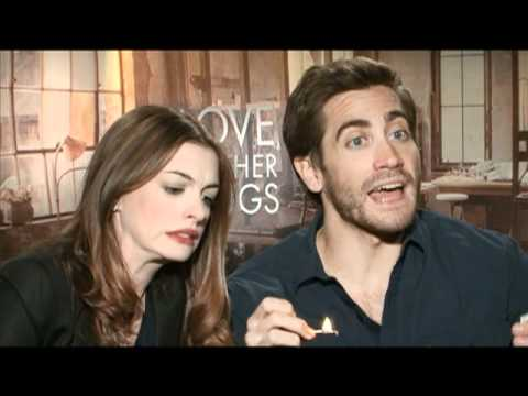Jake Gyllenhaal and Anne Hathaway Interview for LOVE AND OTHER DRUGS