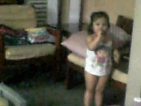Rei Bella singing A Thousand years ( theme song from the movie...