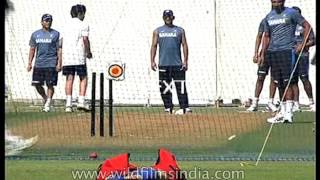 Sachin Tendulkar and Arjun practice cricket