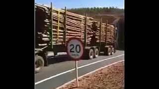 Amazing Truck Gandeng Panjang Sekali