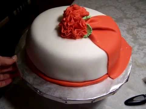 Fondant Cake   Wilton Cake Decorating Course