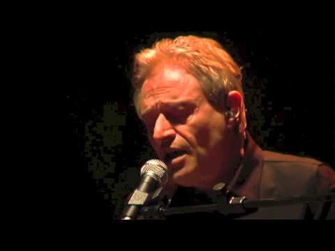 Amedeo Minghi – In sogno (live del 24 novembre 2009 al Teatro Ghione in Roma)