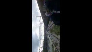Download bilahodoud.com مهاجر مغربي تعرض لصعقة كهربائية 3Gp Mp4