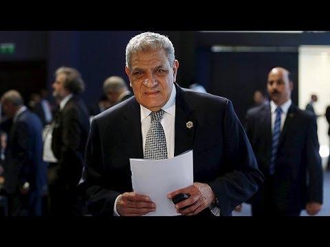 Egitto, si dimette il premier Mahlab e tutta la sua squadra di governo. Al suo posto Cherif…