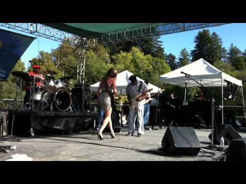 Ana Popovic and  Buddy Guy jamming - One Room Country Shack  (9/25/11)