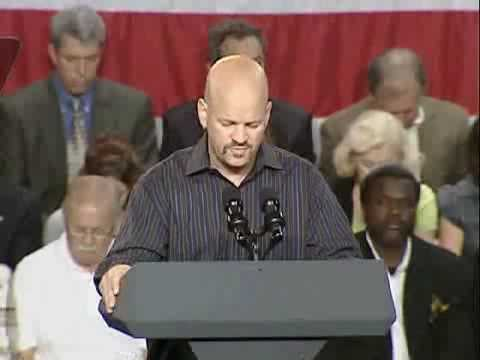 Troy Murphy gives prayer at Obama event Video
