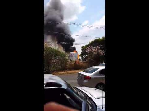 Internauta do Uipi flagra incêndio em carretas por causa de combustível