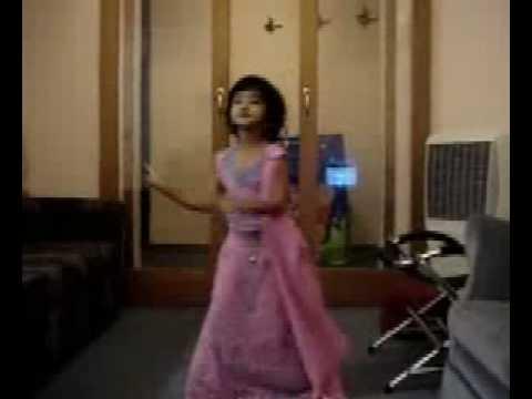 SWEET Girl Dance for Hulchul Hui from Aaja Nachale