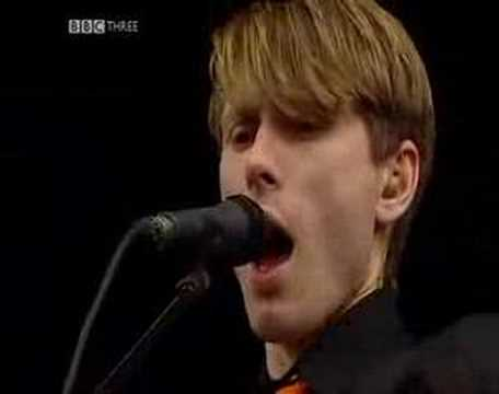 Franz Ferdinand - matinee (live at t in the park 2004)