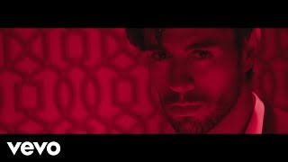 Клип Enrique Iglesias - EL BANO ft. Bad Bunny