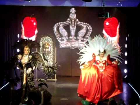 Blue Space - Hollywood - Lysa Bombom & Stripperela & Ballet 11.08.12 - Rainhas Branca De Neve. video
