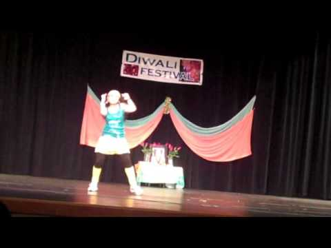 Tej + Deepthi Dance - Bommali from Billa - www.GreenBayIndia