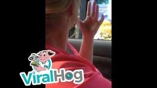 Starbucks Employee Uses ASL To Connect With Customer || ViralHog