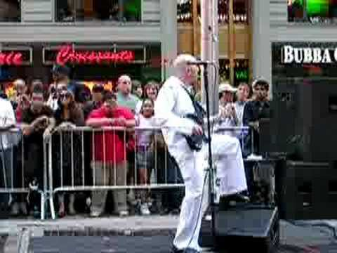 Navy Band performs &quot;I Love Rock &amp; Roll/Welcome to the Black Parade&quot;