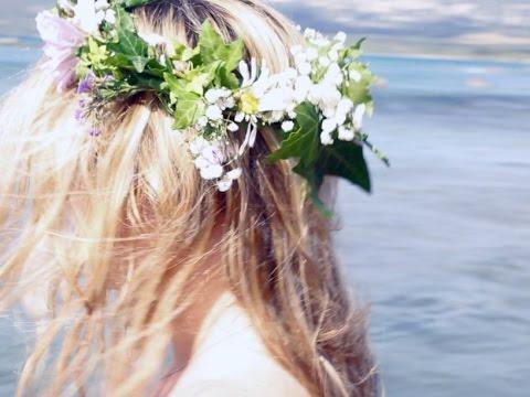 Tuto coiffure : la couronne de fleurs