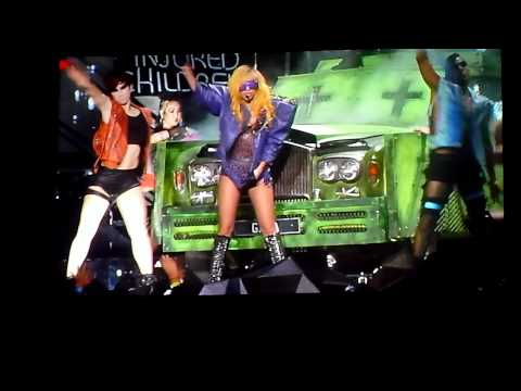 Lady Gaga - Glitter And Grease HD @ Staples Center (2010)