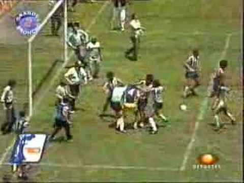 Pelea entre America vs chivas 1986