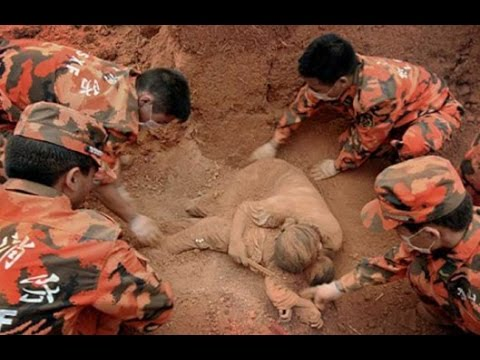 China Earthquake 2014 : Strong Earthquake Hits China's Yunnan 400 killed, 12,000 Houses Collapse