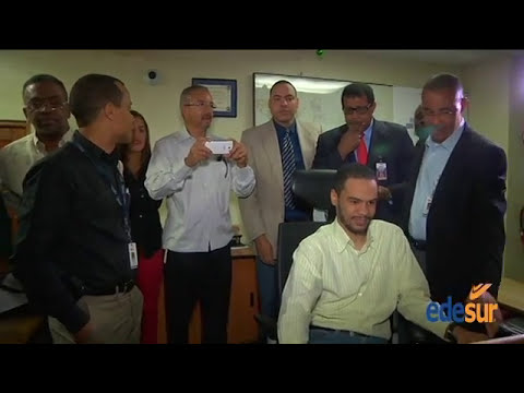 Comunicadores visitan Centro Operaciones de la Red de EDESUR