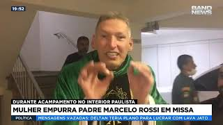 Mulher empurra padre Marcelo Rossi em missa
