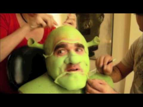 Brian d'Arcy James Shows How He Created a Monster (Shrek)
