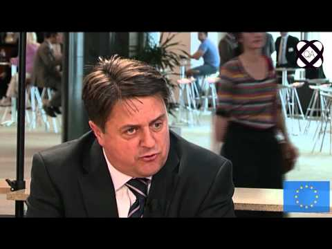 BNP Leader Nick Griffin Q&A Session Interview (Part One).- (twitter.com/MixTVWorld)
