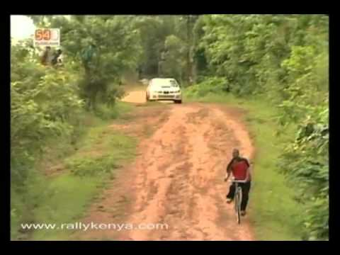 KCB Pearl Of Uganda Rally 2009 scared biker!