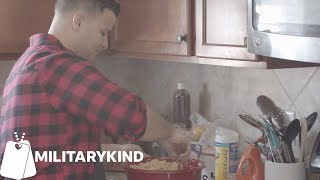 Soldiers leave rank at the door for Thanksgiving meal | Militarykind