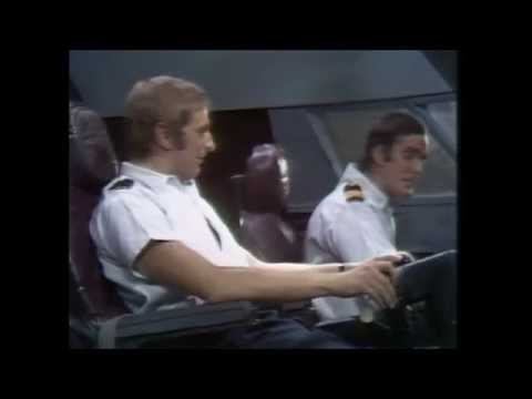 John Clease & Graham Chapman & Michael Palin - Piloci