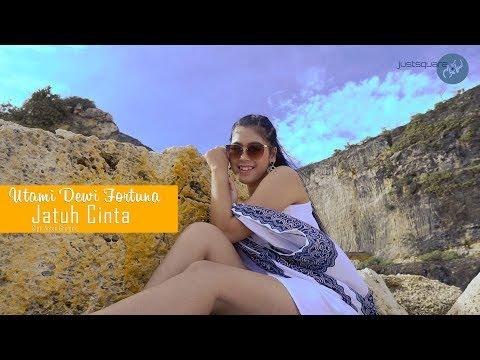 Download Utami Dewi Fortuna - Jatuh Cinta    Mp4 baru