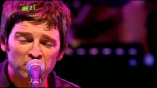 Watch Noel Gallagher Wonderwall video