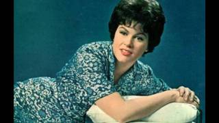 Watch Patsy Cline There He Goes video