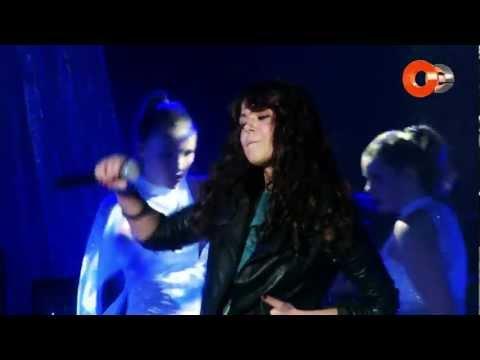 Алина Гросу - Мелом на асфальте (Live oe video music awards 2011)