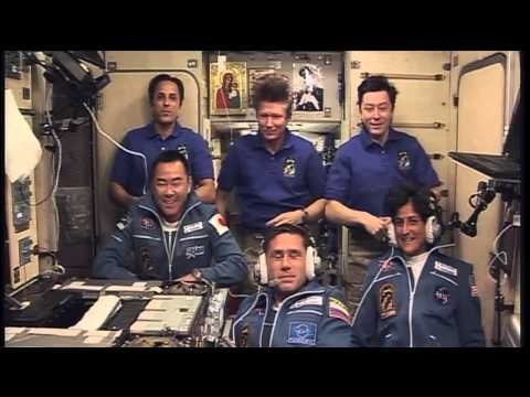 "Expedition 32 Crew Shows ""Up"" at Station"