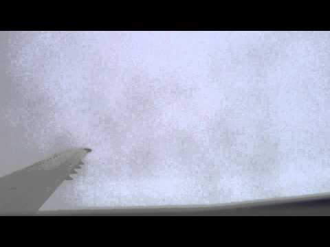 HD - United Express ERJ-135 Newark EWR to Nashville BNA - Takeoff - Rainy - Cloudy