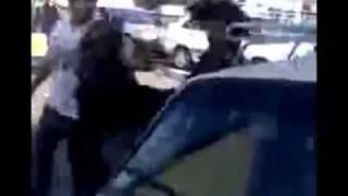 Iran - Lahijan -  كتك خوردن و فرار كردن يك پسر توسط يك دختربخاطر متلك گوئي در لاهيجان