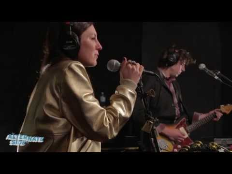 "Haerts - ""Wings"" (live at WFUV)"