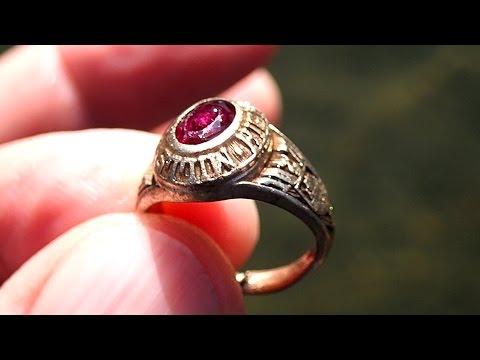 California River Hunt: Amazing!! 2 Gold Rings!!