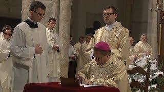Msza św. na rozpoczęcie synodu (Łódź 2018)- podpisanie dekretu synodalnego