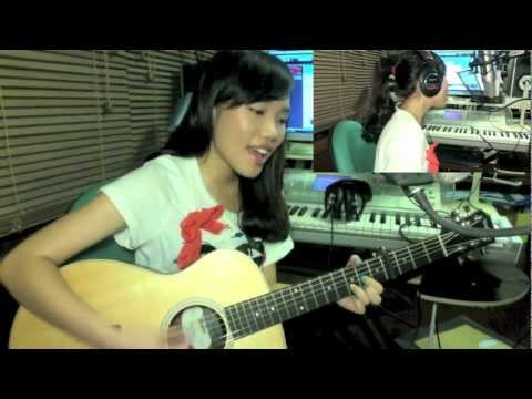 Payphone - Maroon 5 (dena Cover) video