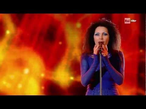 Anna Oxa – O sole mio – 17/02/11 – Sanremo 2011 HD