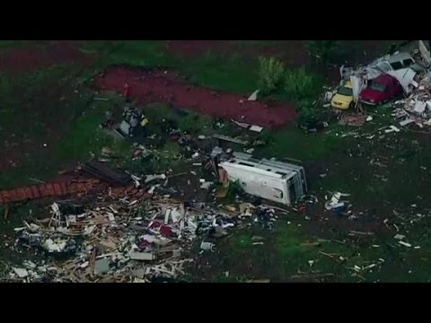 Tornados hit central U.S.